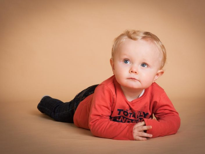 Studio portrait photograph of baby Louis taken by Helen Batt Photography