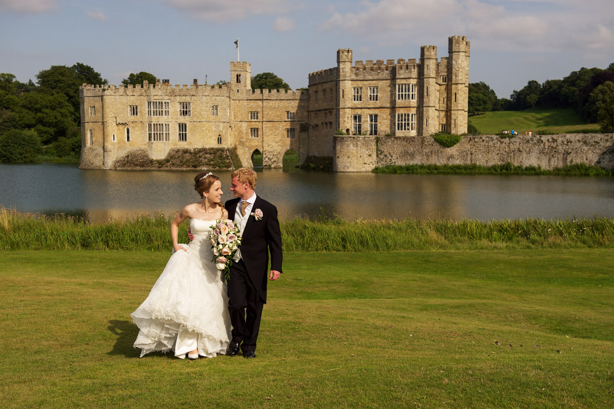 timea and edmund walk with leeds castle in the background