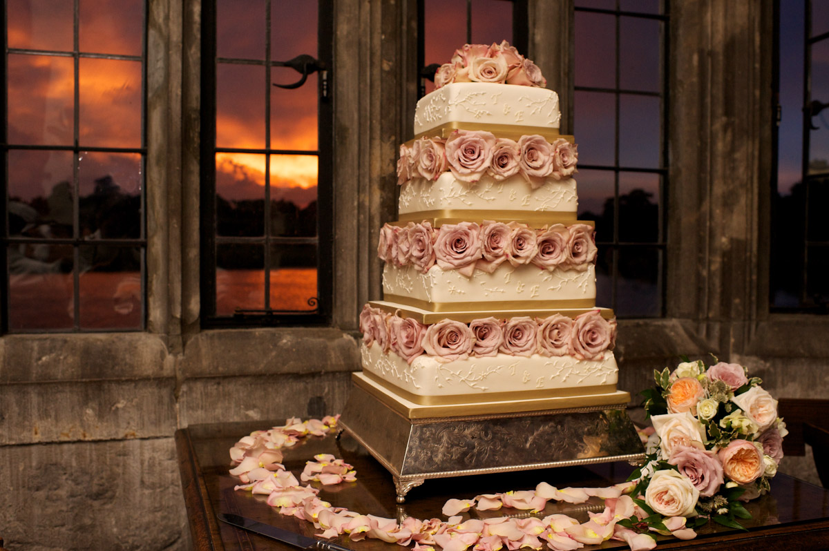 photograph of timea and edmunds wedding cake at leeds castle