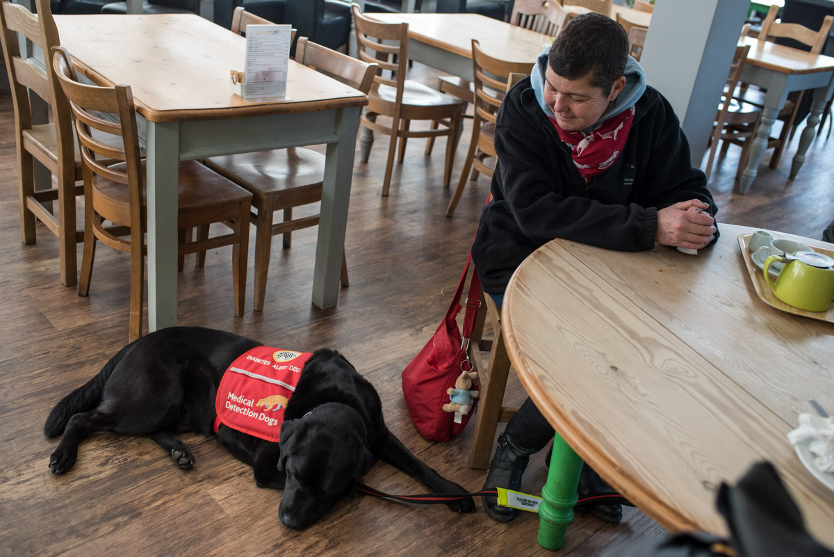 Pal and Claire photographed together in cafe in Kent garden centre