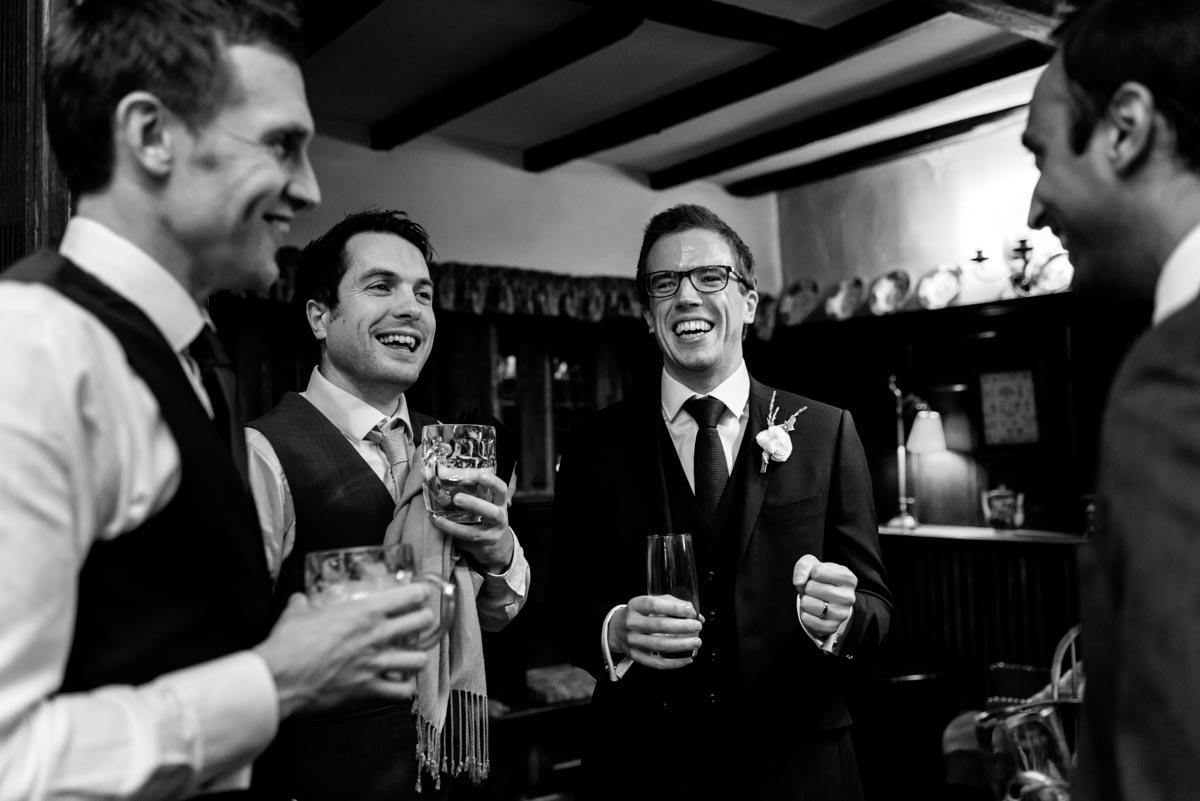 Kent wedidng photographer helen batt captures image of tom and his wedding guests